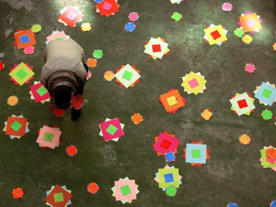 Papírvirágos udvar - forrás: hetibeton.blog.hu