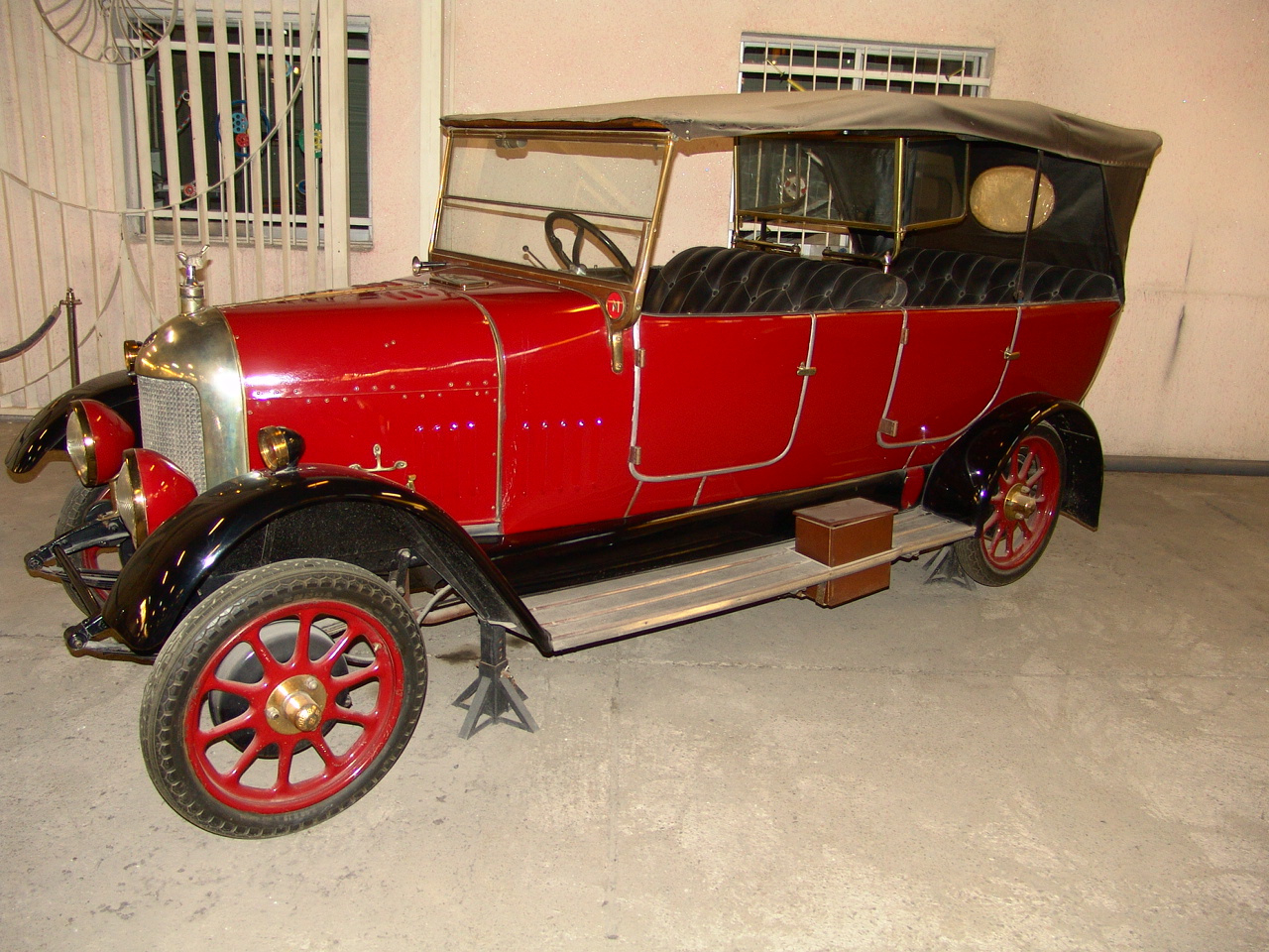 Iranian car museum, Karaj,July13,2010 004