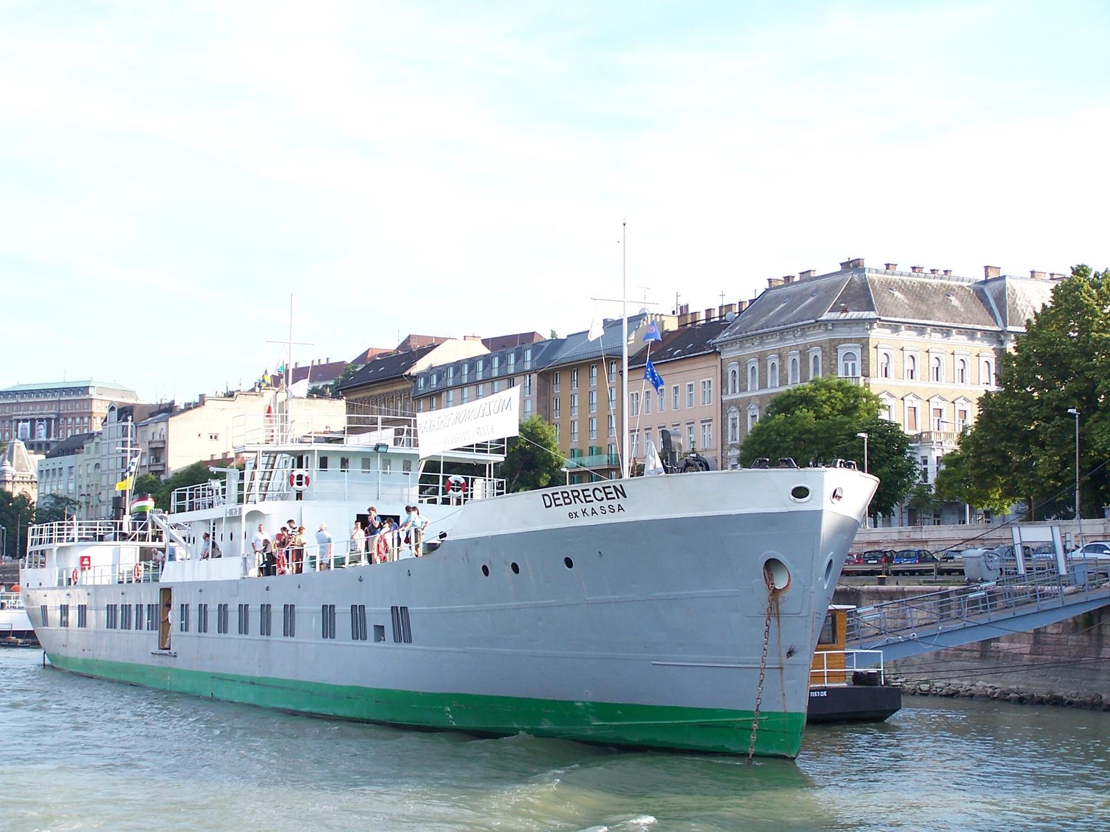 Debrecen ex-Kassa Duna-tengerjáró