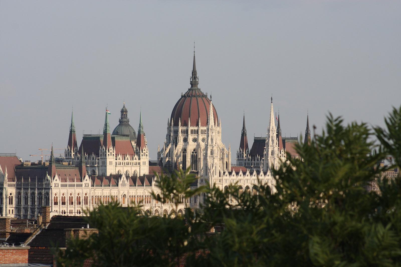 Parlament - más helyről