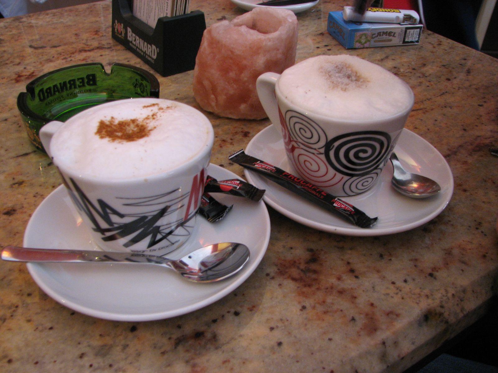 2 kávé