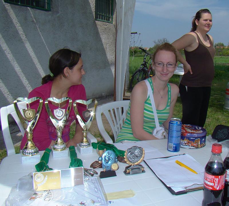 A díjak...az asztalon :)