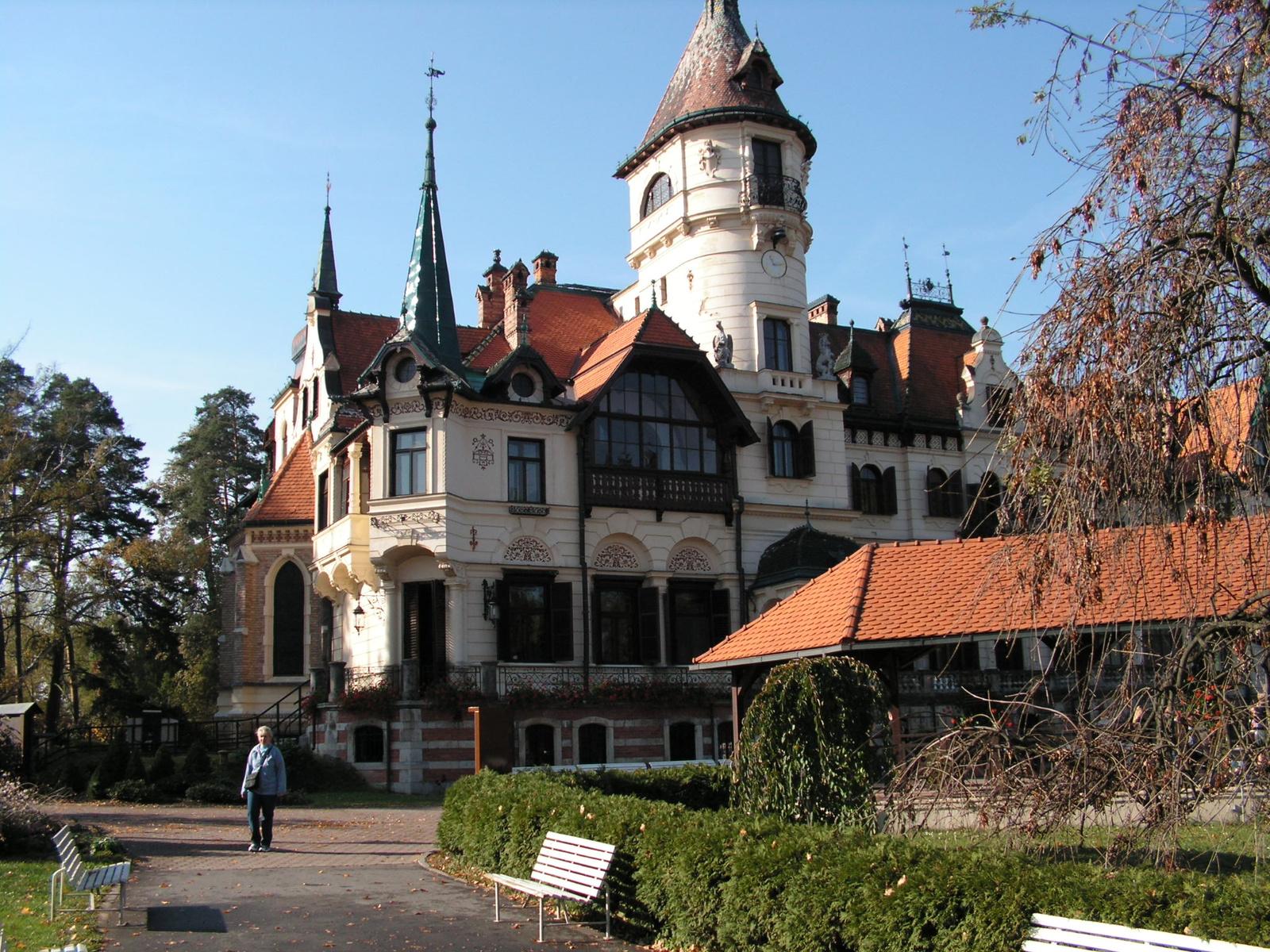 Zlín (ex Gottwaldov), Lesná - a kastély, SzG3